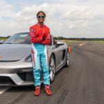 16 åriga Chloe Chambers sätter nytt världsrekord i en 2020 Porsche 718