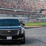 Donald Trump åker med 'The Beast' på Daytona 500