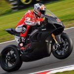 Ducati V4R testas på bana