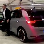 Elon Musk testar nya VW ID.3