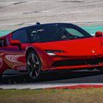 Ferraris SF90 Stradale sätter nytt rekord med The Stig på Top Gears testbana