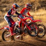 Spana in Honda fabriksförarna Ken Roczen och Justin Brayton