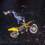Travis Pastrana utklassar Nate Adams på Moto X Speed and Style X Games