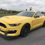 Lyssna och njut när en Mustang Shelby GT350 gasar runt Nurburgring